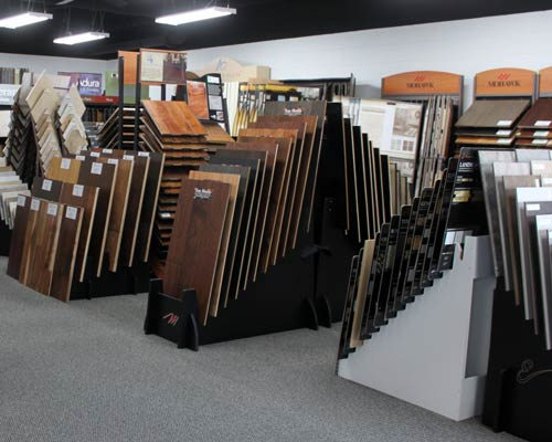 Top 10 benefits of vinyl flooring at flooring stores